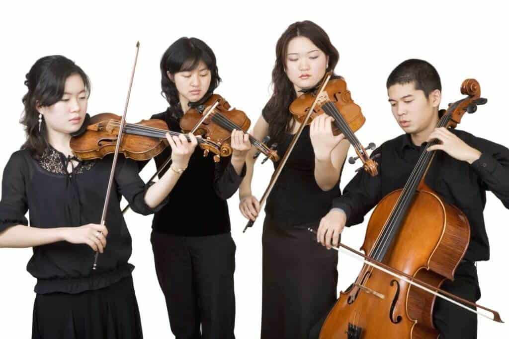 Violin tutors in Singapore
