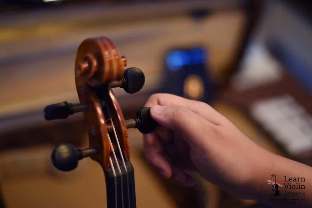 beginner violin class in Singapore
