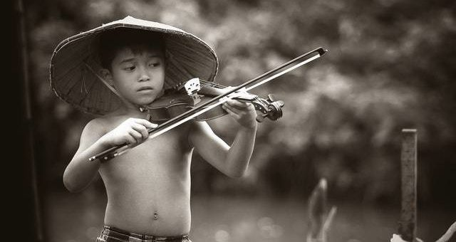 Discovering The Joy and Benefits of Violin Lessons for Kids